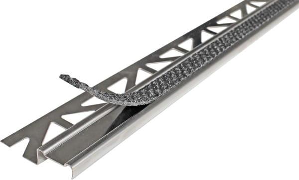 Treppenprofil aus Edelstahl mit Antirutschbeschichtung anthrazit